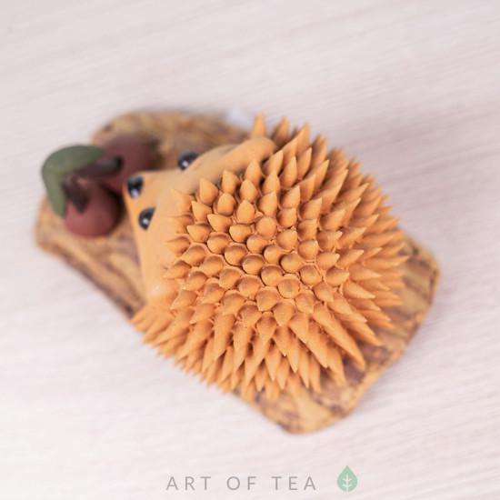 Фигурка Ёжик с вишенкой, жёлтый, исинская глина, 8 см