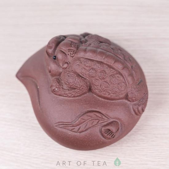 Фигурка Жаба на камне, исинская глина, 8 см