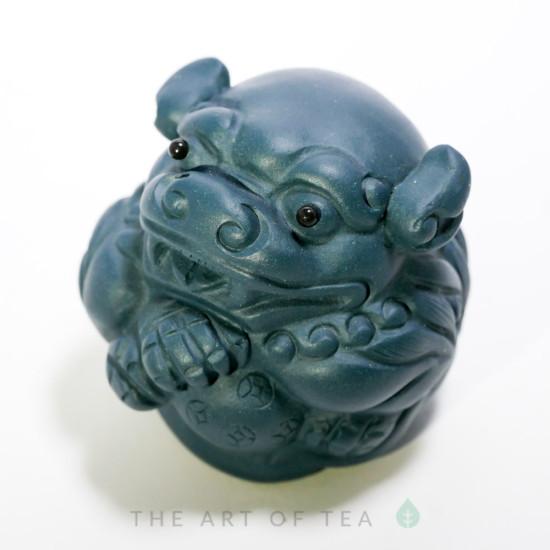 Чайная фигурка Пи Сю с шаром, глина