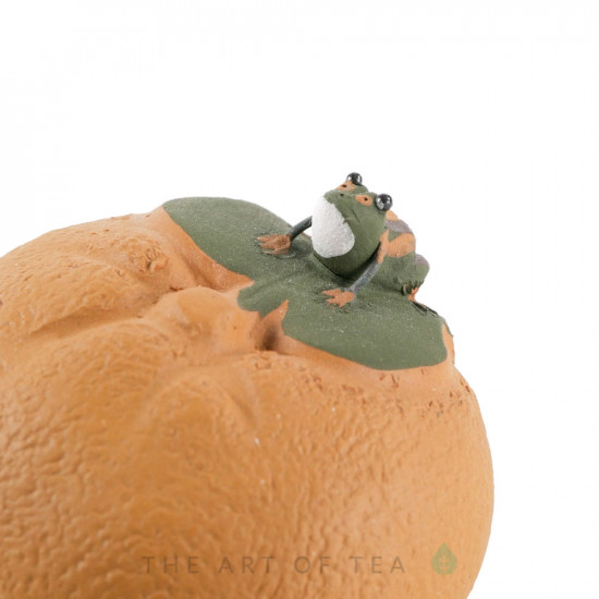 Чайная фигурка Лягушка на желтой тыкве, глина