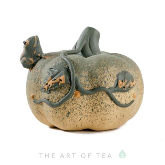 Чайная фигурка Лягушка на зеленой тыкве, глина