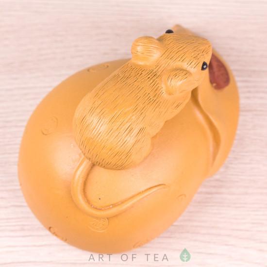 Фигурка Мышка на мешке #2, исинская глина, 7 см