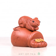 Фигурка Мышка на мешке, исинская глина, 6 см