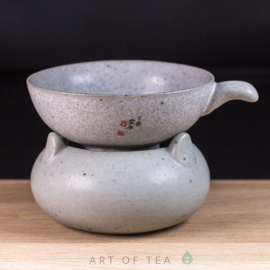 Сито на подставке Иероглиф, глина, глазурь