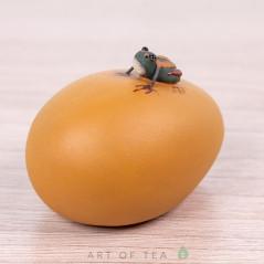 Фигурка Лягушка на яйце, 4 см